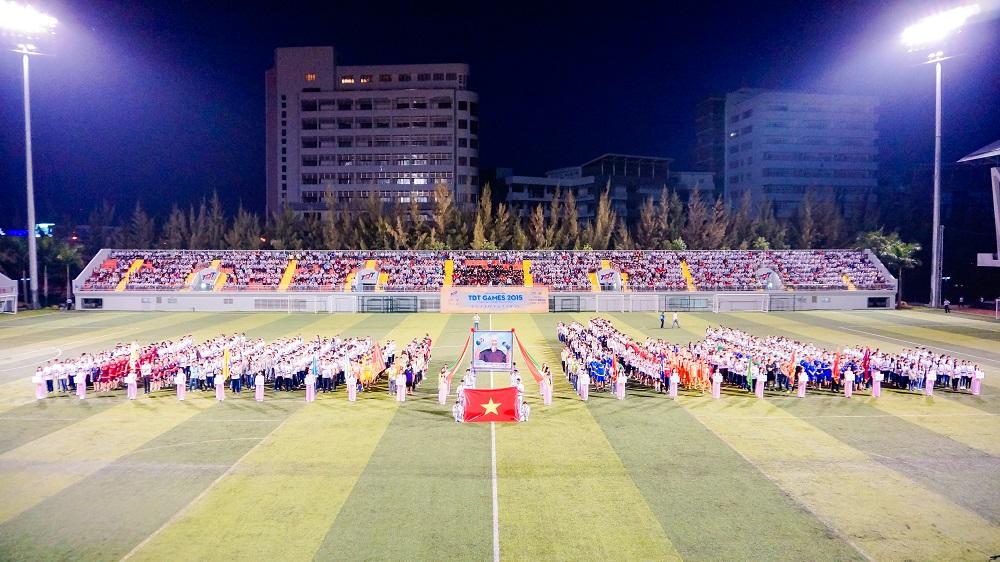 Sân vận động.jpg