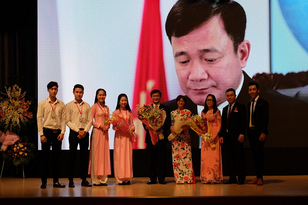 Celebrating 35th anniversary of Vietnamese Teacher's Day