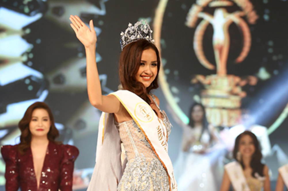 A TDTU Student Crowned the 2018 Miss Supranational Vietnam