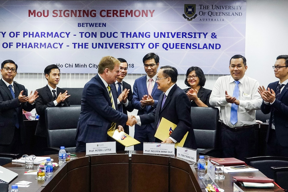 The Faculty of Pharmacy of Ton Duc Thang University signed a Memorandum of Understanding with the School of Pharmacy of University of Queensland