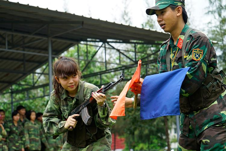 Ton Duc Thang University celebrates the 73rd year of founding the Vietnam People's Army