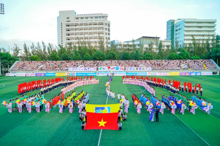The opening ceremony of the Ho Chi Minh City Students Football Tournament in the academic year 2017 - 2018 at Ton Duc Thang University