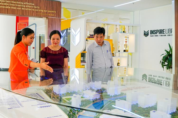 Director of the Library Department of Vietnam visited Ton Duc Thang University Library