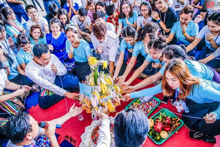 Vietnamese-Thai-Laotian students have traditional Tet celebation at Ton Duc Thang University